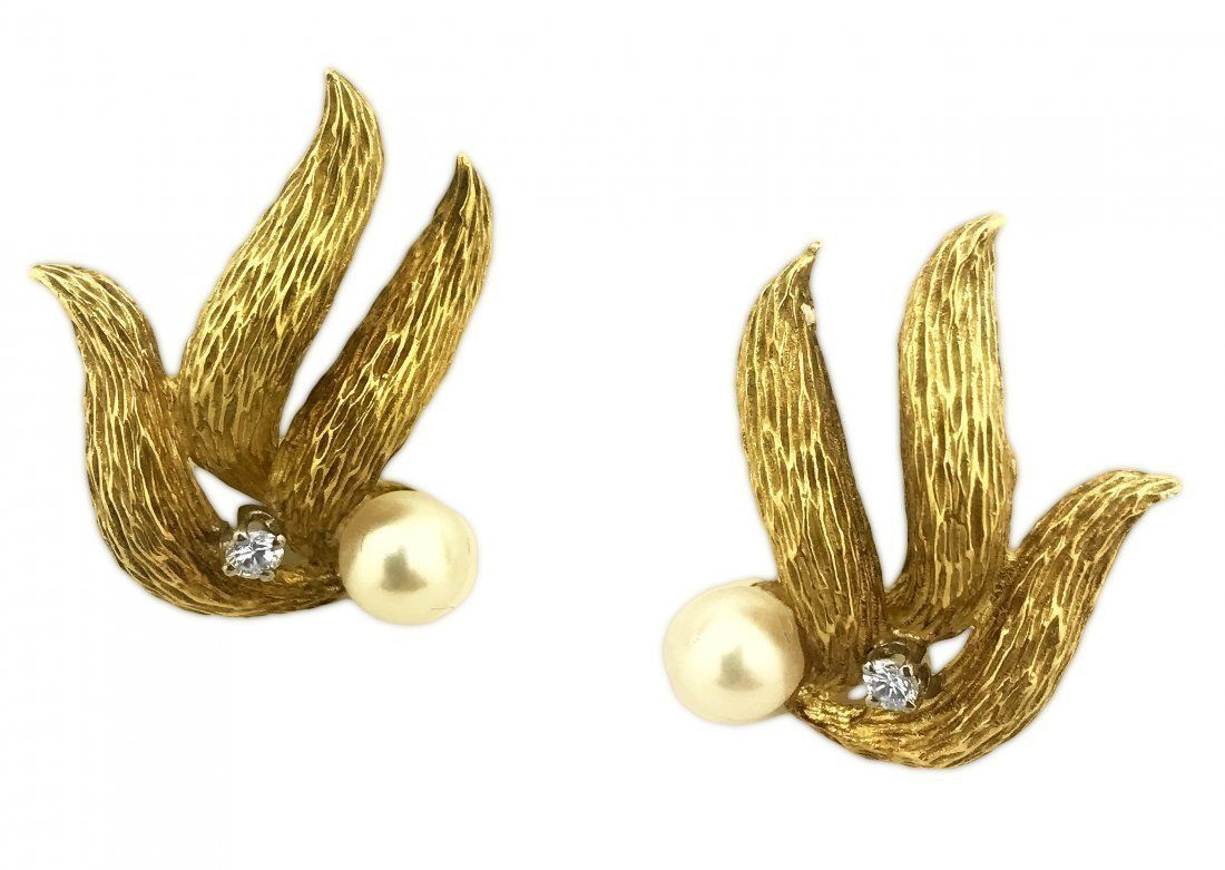 14 KARAT GOLD, DIAMOND AND PEARL EAR CLIPS