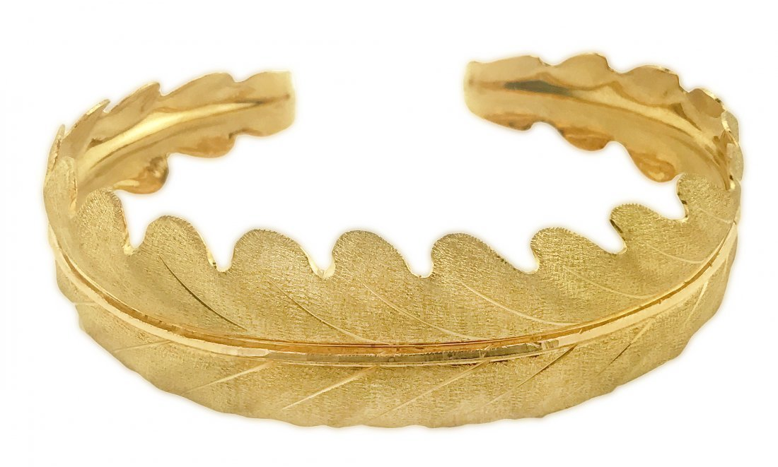 18 KARAT GOLD BANGLE BRACELET, BUCCELLATI