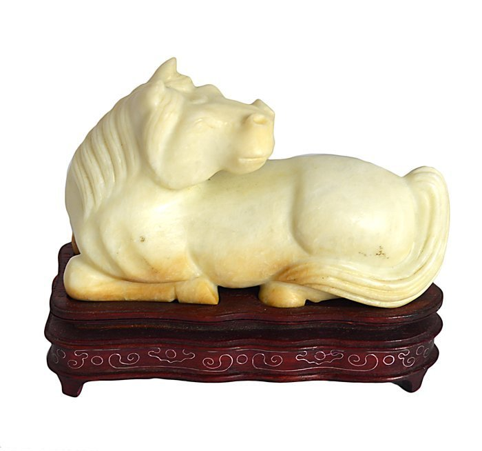 PAIR OF CHINESE CARVED SERPENTINE HORSES - 2