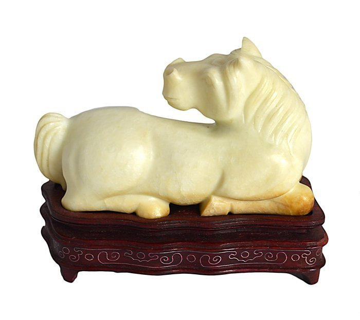 PAIR OF CHINESE CARVED SERPENTINE HORSES - 3
