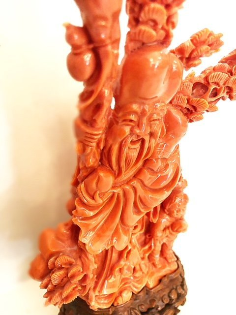 FINE CHINESE  CARVED CORAL FIGURE - 3