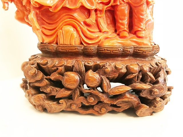 FINE CHINESE  CARVED CORAL FIGURE - 4