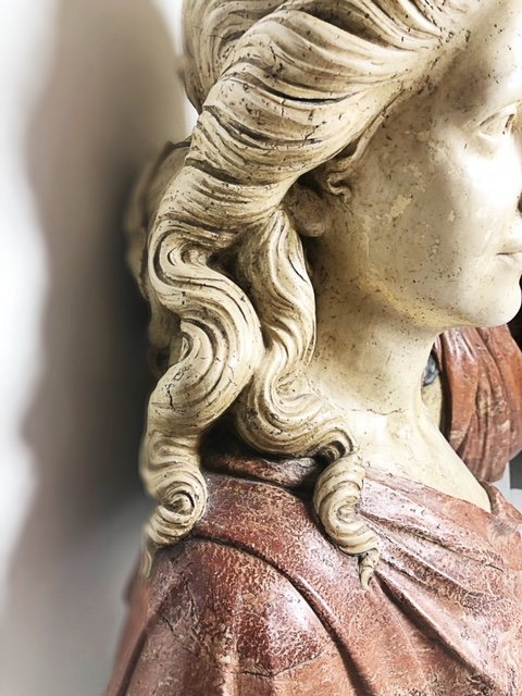 PAIR OF DECORATIVE BUSTS - 7