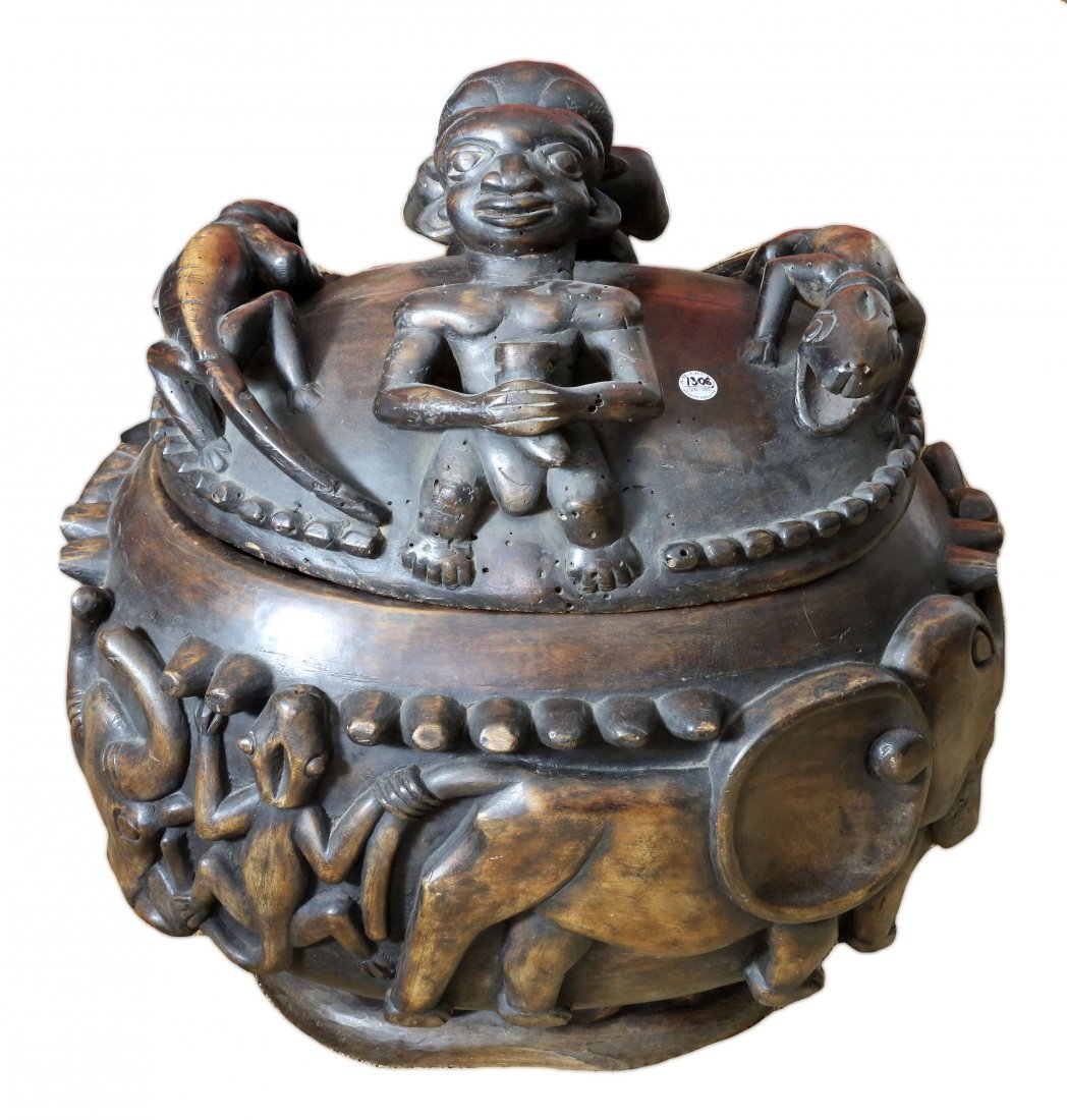 STYLE OF ROYAL PALACE OFFERING BOWL CARVED WOOD
