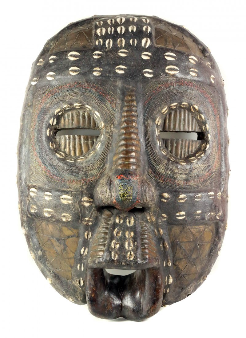 TOURIST MASK - CARVED WOOD