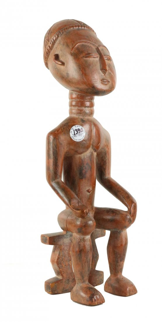 STYLE OF ROYAL MALE ANCESTRAL FIGURE - WOOD