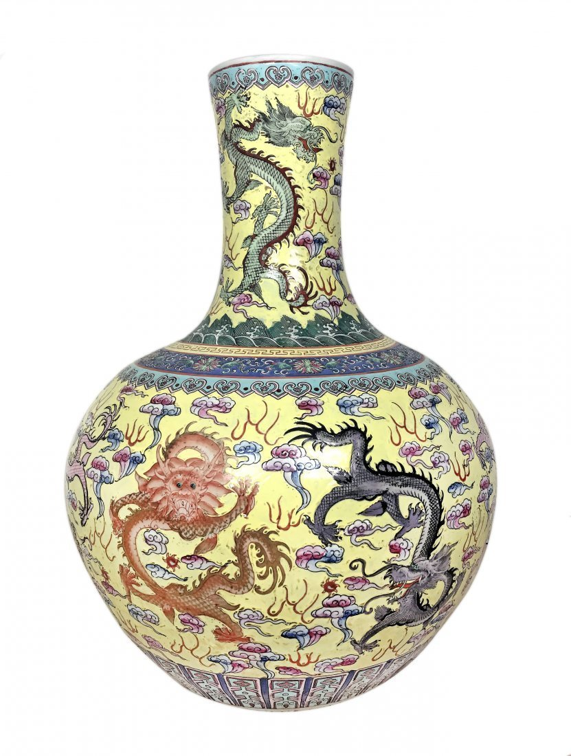 LARGE CHINESE PORCELAIN BOTTLE FORM PORCELAIN VASE