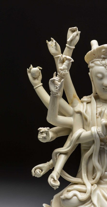 CHINESE BLANC-DE CHINE FIGURE A FEMALE DEITY - 4