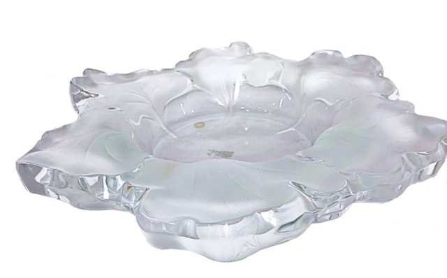 LALIQUE FROSTED GLASS CAPUCINES/FOLIATE SHAPED BOWL