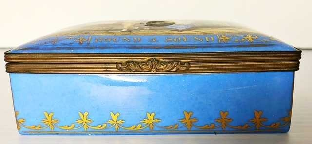 CONTINENTAL PORCELAIN BOX. ENGLISH/FRENCH, LATE 19TH. - 3