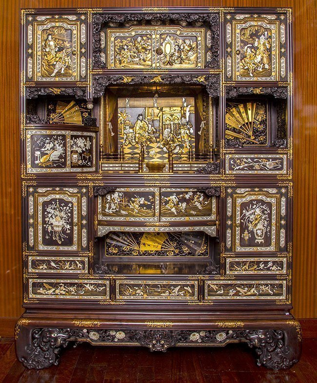 RARE AND IMPORTANT MEIJI, JAPANESE LACQUER CABINET
