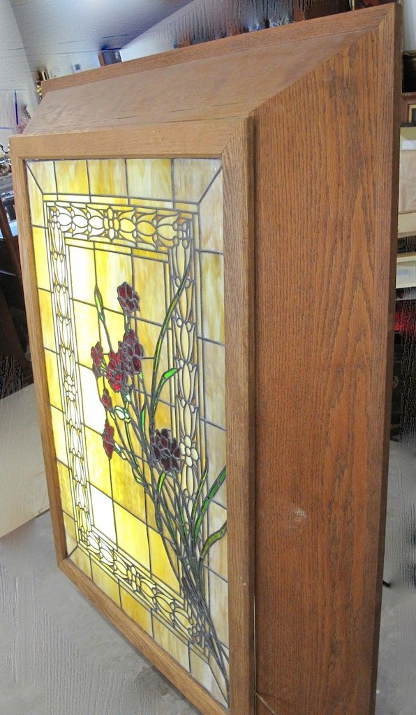AMERICAN LEADED AND STAINED GLASS WINDOW BOX - 8
