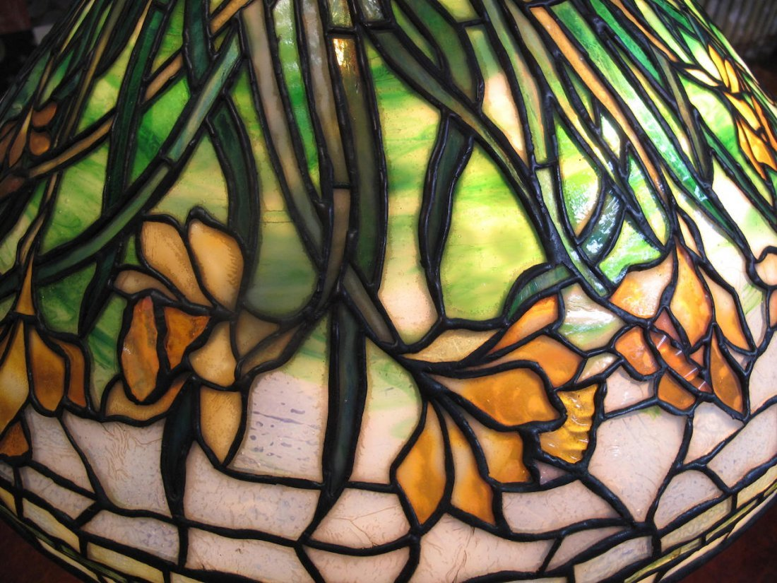 "A Very Fine Tiffany ""Daffodil"" Table Lamp - 3"