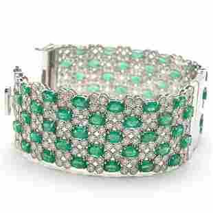 Very Fine Emerald Bangle-Bracelet