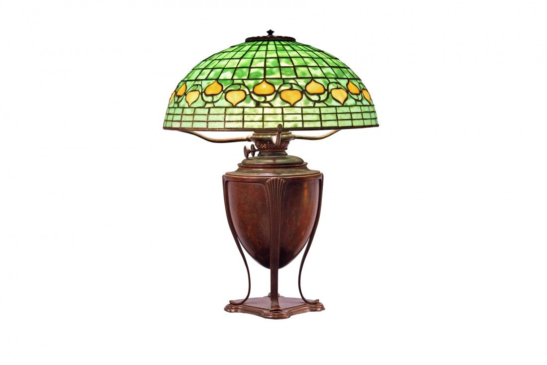 Tiffany Studio Lamp, circa 1900, Leaf and Vine Border