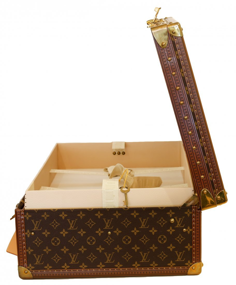 LOUIS VUITTON HARD SIDED SUITCASE - 3