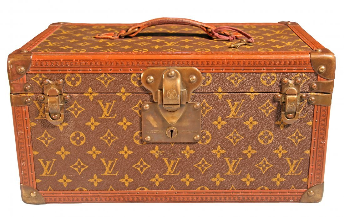 LOUIS VUITTON VINTAGE HARD SIDED TOILETRY CASE