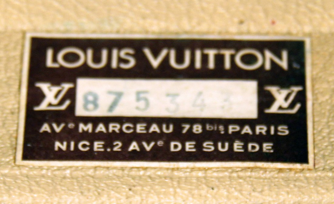 LOUIS VUITTON VINTAGE HARD SIDED SUITCASE - 4