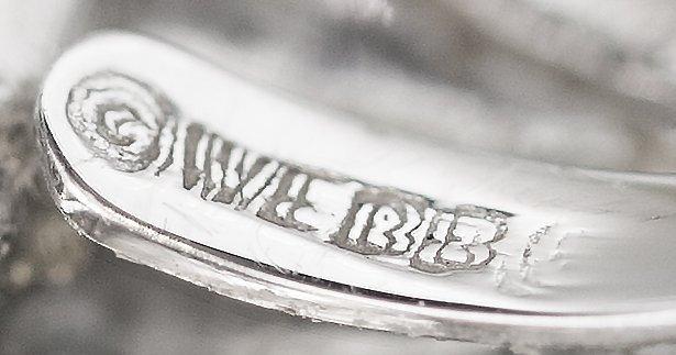 FINE DAVID WEBB PLATINUM, DIAMOND AND ROCK CRYSTAL RING - 6