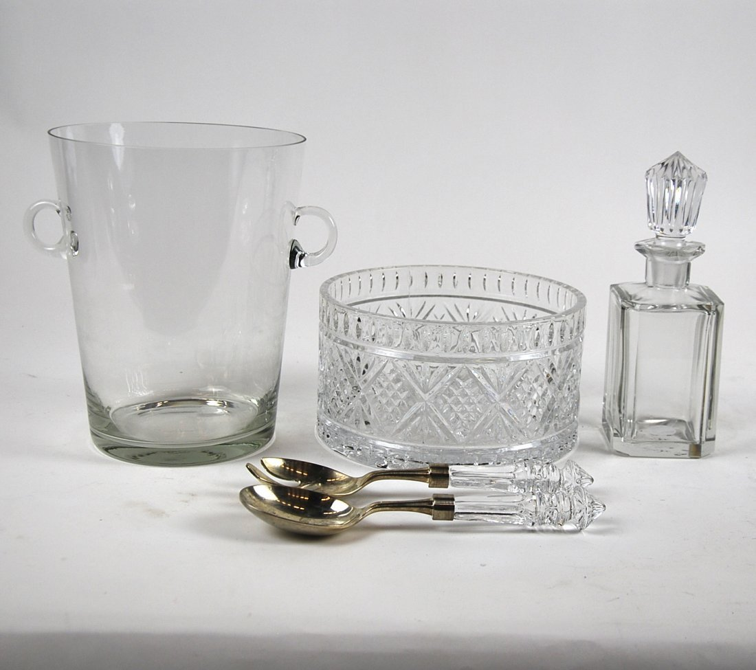 FIVE ASSORTED TABLE GLASS ITEMS