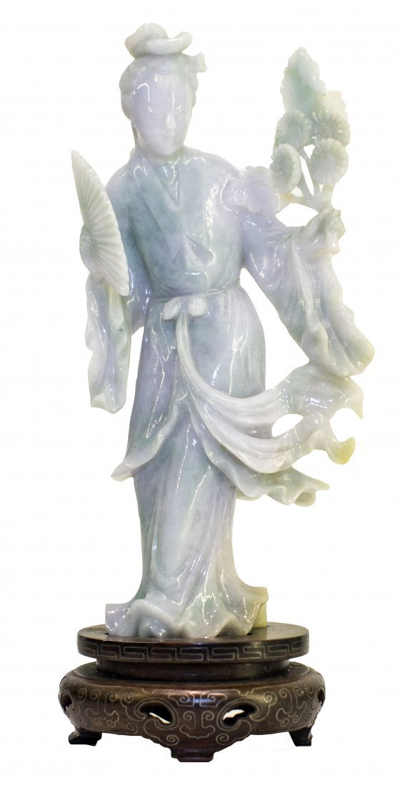 FINE LIGHT LAVENDER JADE FIGURE OF QUANYIN, CHINESE