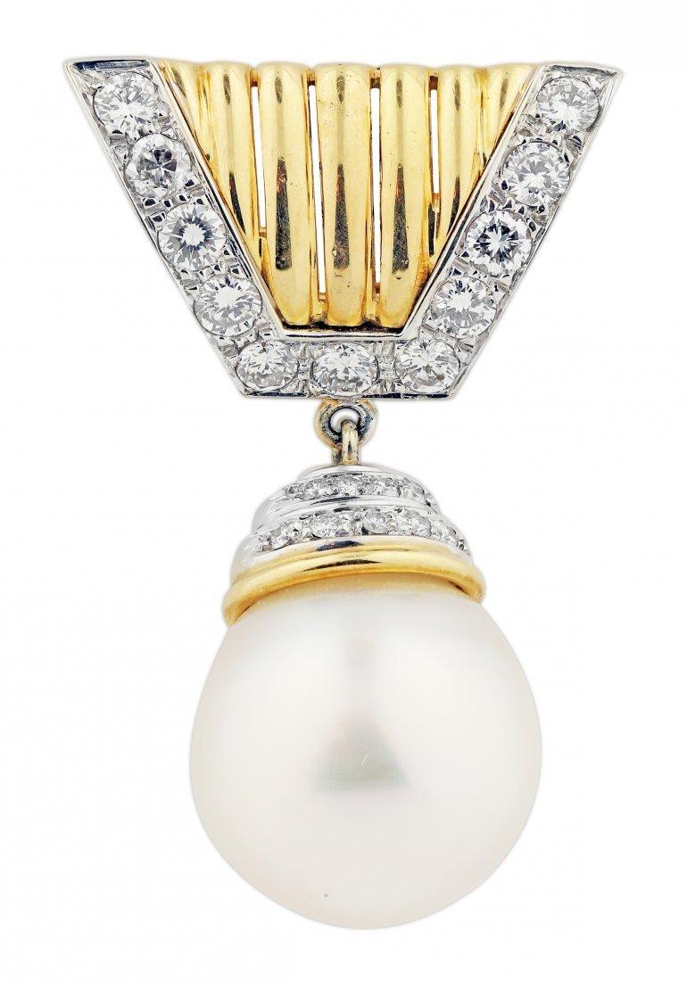 18 karat gold Cultured pearl and diamond pendant