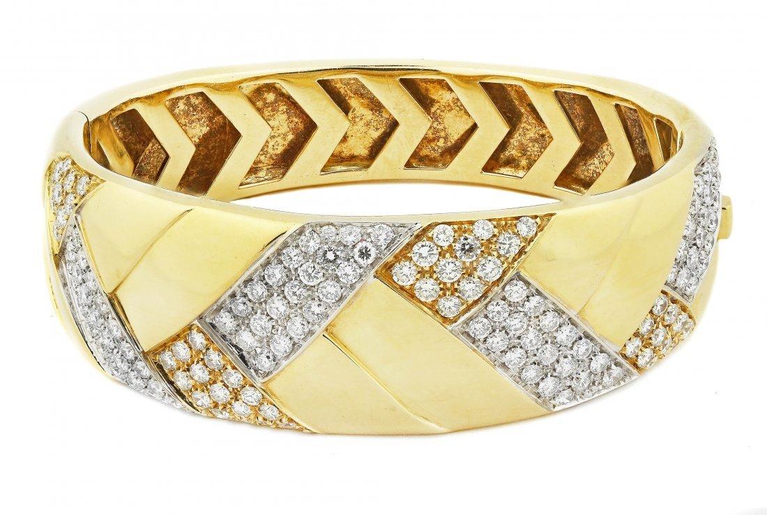 Fine 18 Karat Gold and Diamond Bangle Bracelet