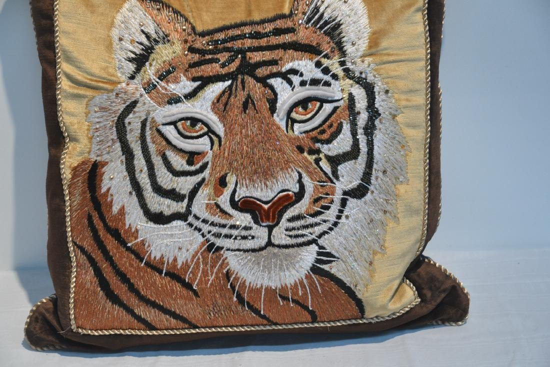 JAY STRONGWATER NATURAL COLOR VELVET TIGER PILLOW - 4