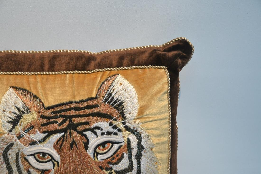 JAY STRONGWATER NATURAL COLOR VELVET TIGER PILLOW - 5