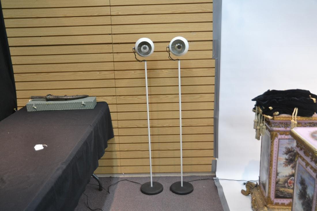 (Pr) SONNEMAN WHITE FLOOR SPOTLIGHT LAMPS - 2