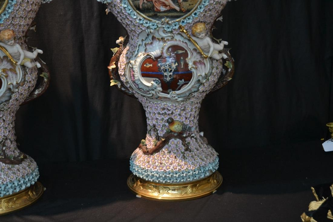 (Pr) PALATIAL SIZE COVERED URNS WITH ENCRUSTED - 4