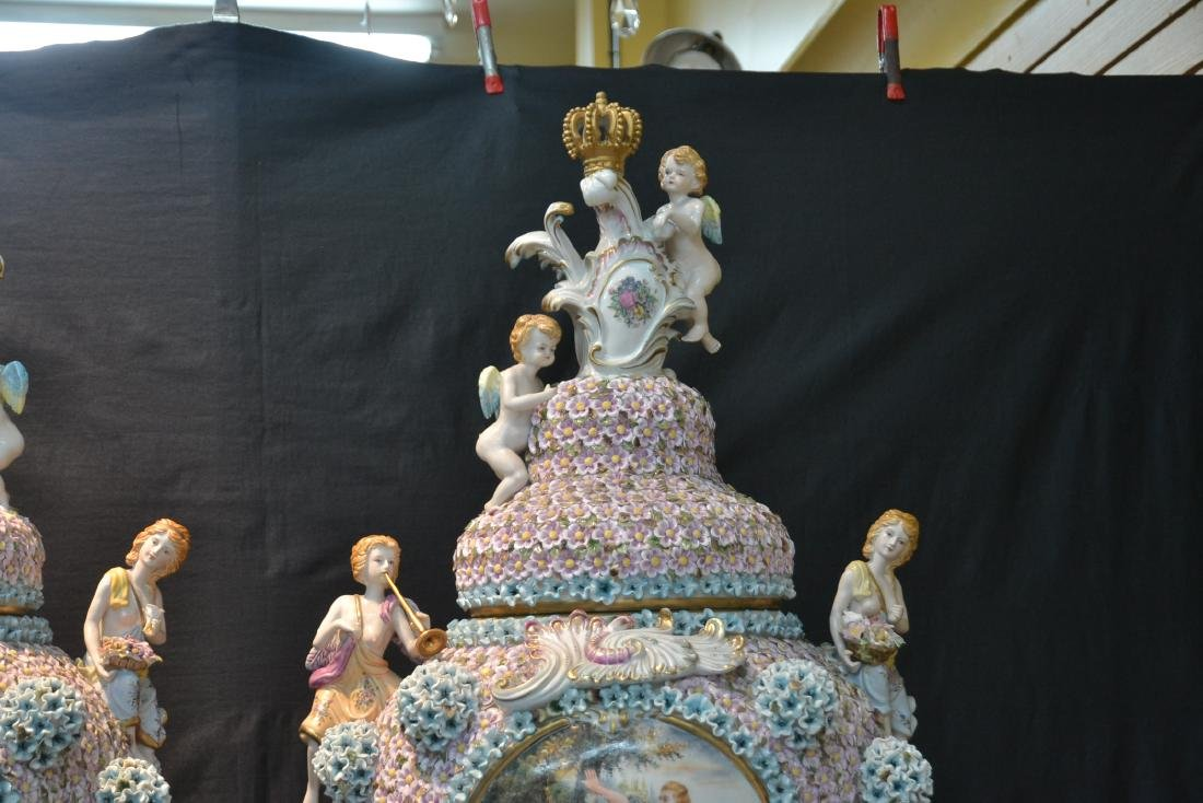 (Pr) PALATIAL SIZE COVERED URNS WITH ENCRUSTED - 5