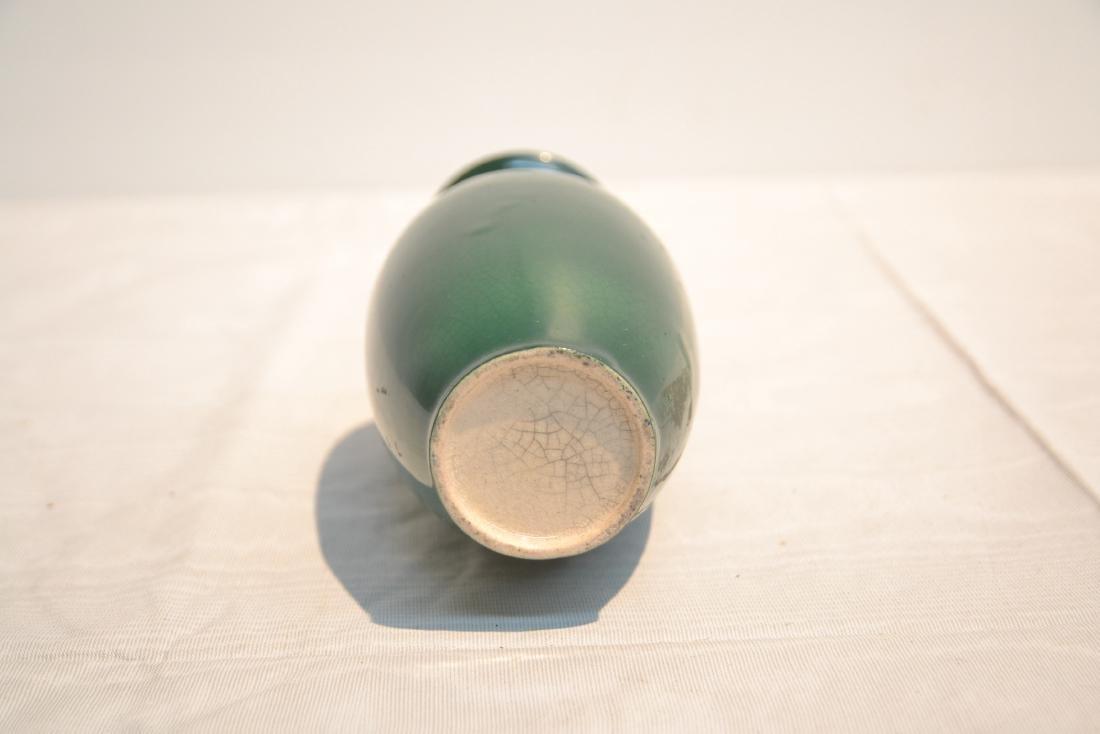 GREEN CHINESE CRACKLE PORCELAIN VASE - 5