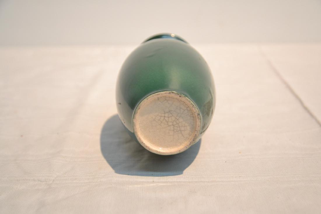GREEN CHINESE CRACKLE PORCELAIN VASE - 6