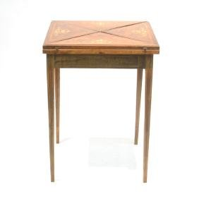 MARQUETRY INLAID ROSEWOOD HANKERCHIEF GAME TABLE