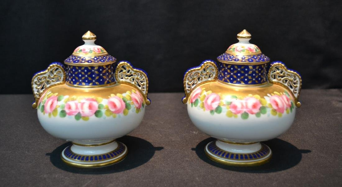 (Pr) ROYAL CROWN DERBY COVERED URNS WITH