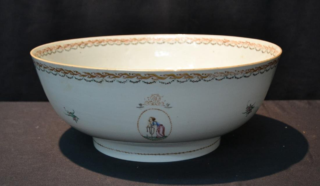 LARGE 19thC CHINESE EXPORT PORCELAIN BOWL