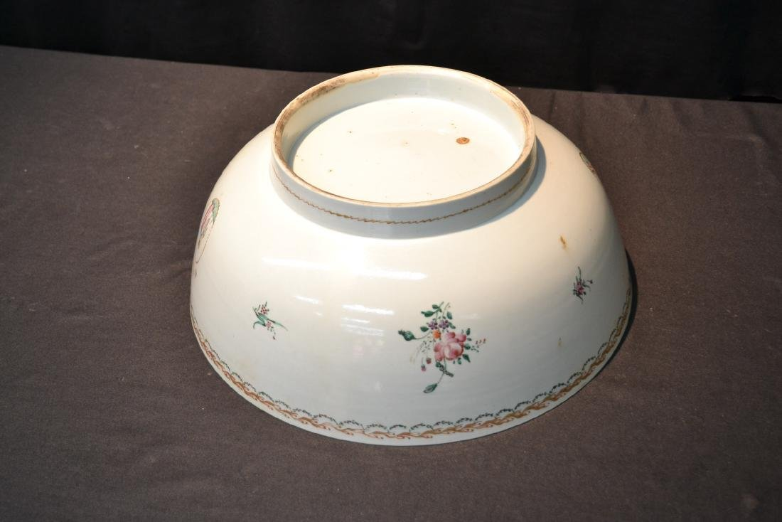 LARGE 19thC CHINESE EXPORT PORCELAIN BOWL - 3