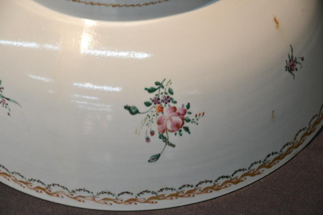 LARGE 19thC CHINESE EXPORT PORCELAIN BOWL - 4