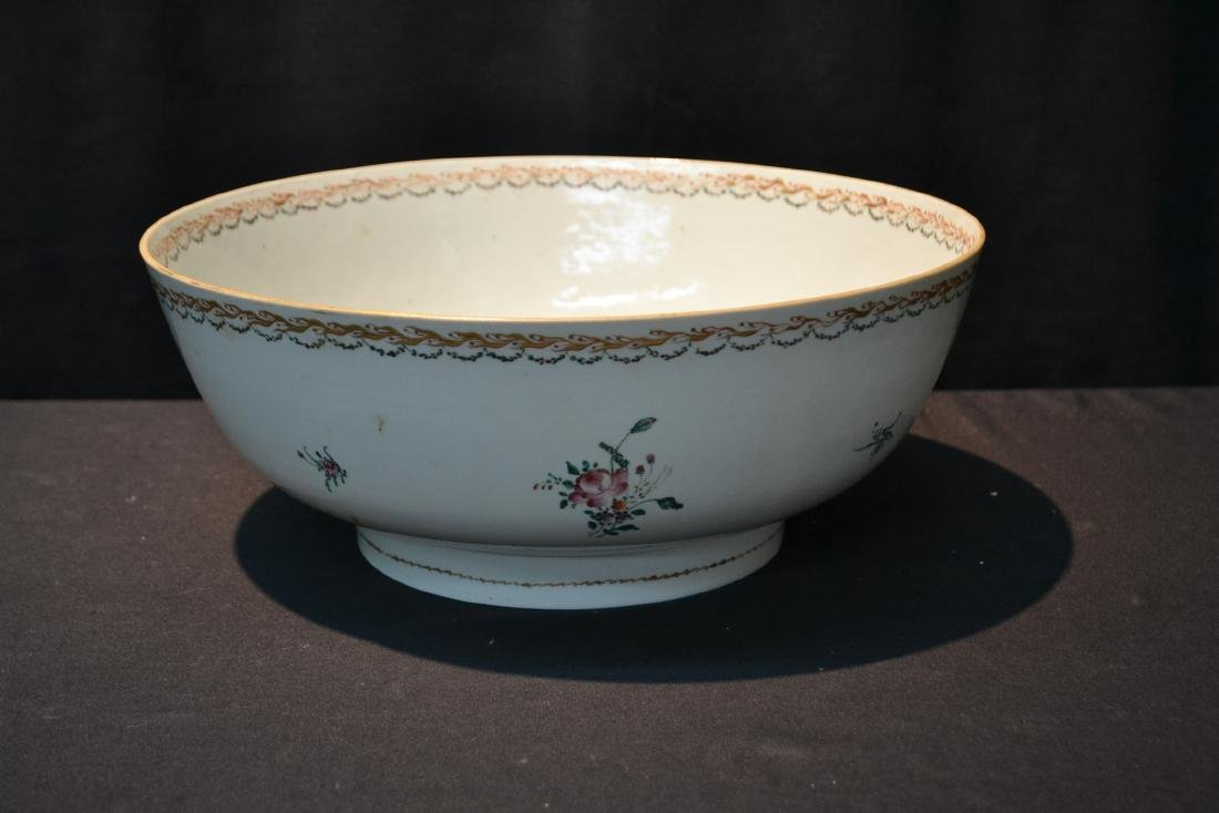 LARGE 19thC CHINESE EXPORT PORCELAIN BOWL - 5
