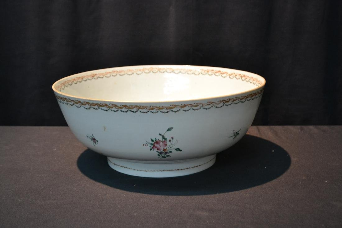 LARGE 19thC CHINESE EXPORT PORCELAIN BOWL - 6