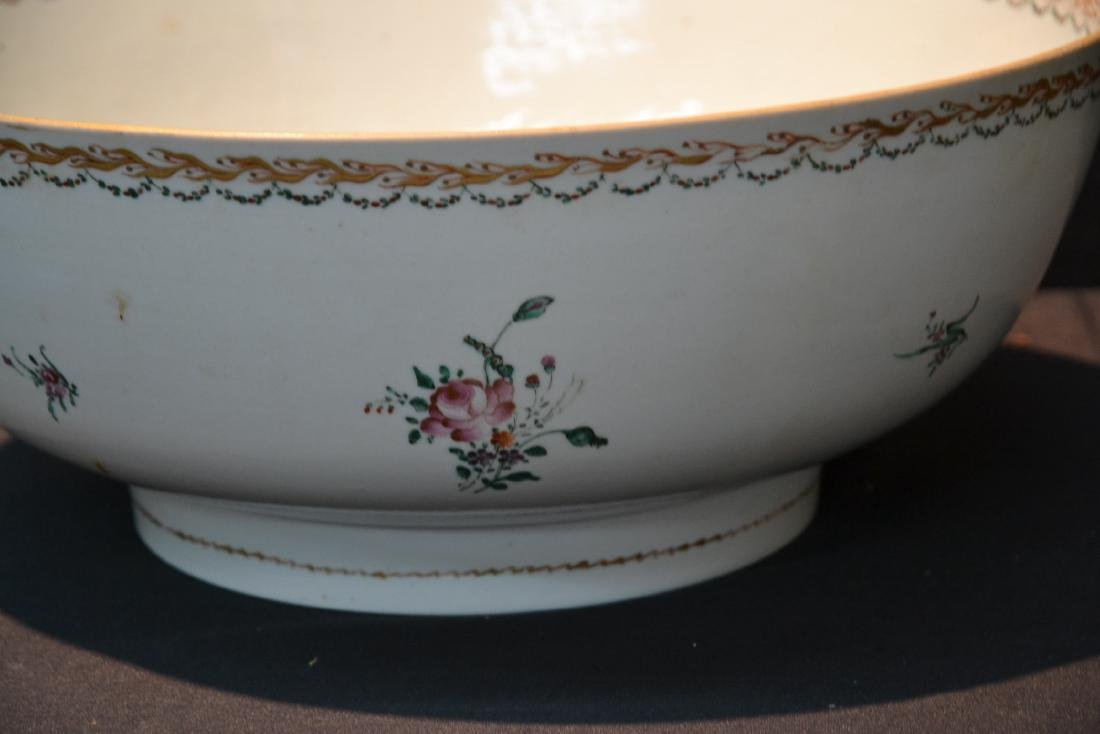 LARGE 19thC CHINESE EXPORT PORCELAIN BOWL - 7