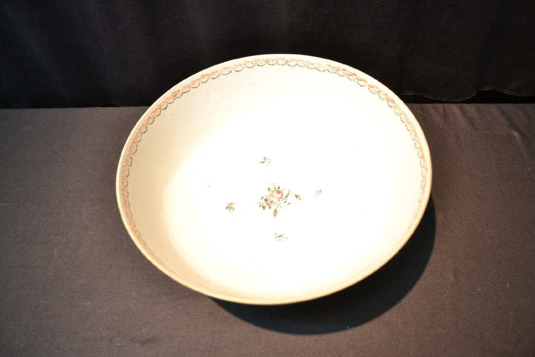 LARGE 19thC CHINESE EXPORT PORCELAIN BOWL - 8