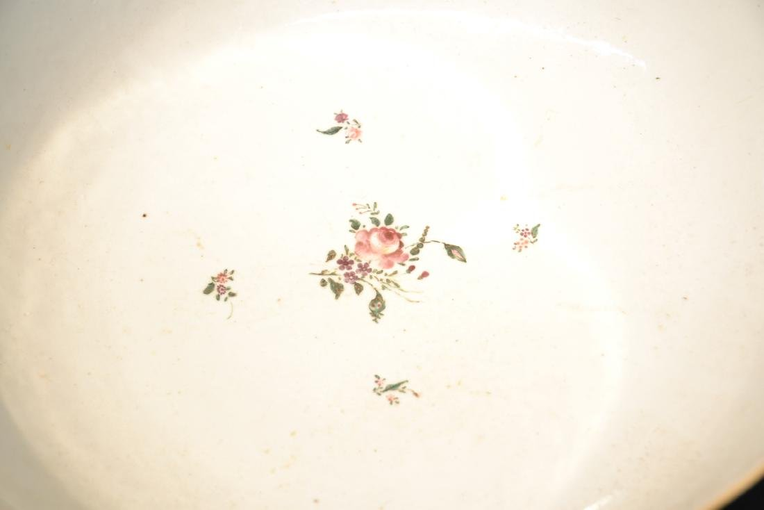 LARGE 19thC CHINESE EXPORT PORCELAIN BOWL - 9