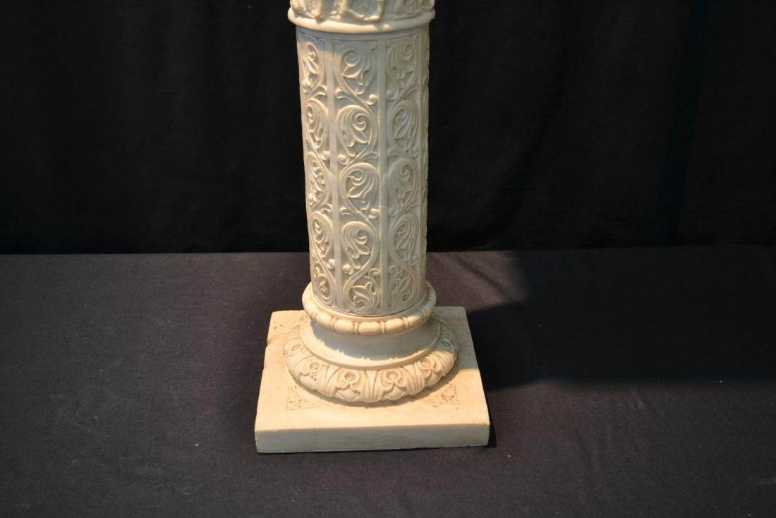 CONTEMPORARY RESIN PEDESTAL WITH CLASSICAL - 3