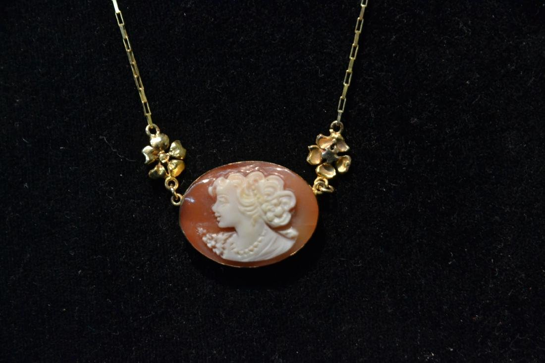 14kt GOLD CAMEO CHAIN WITH GOLD FLOWERS - 3
