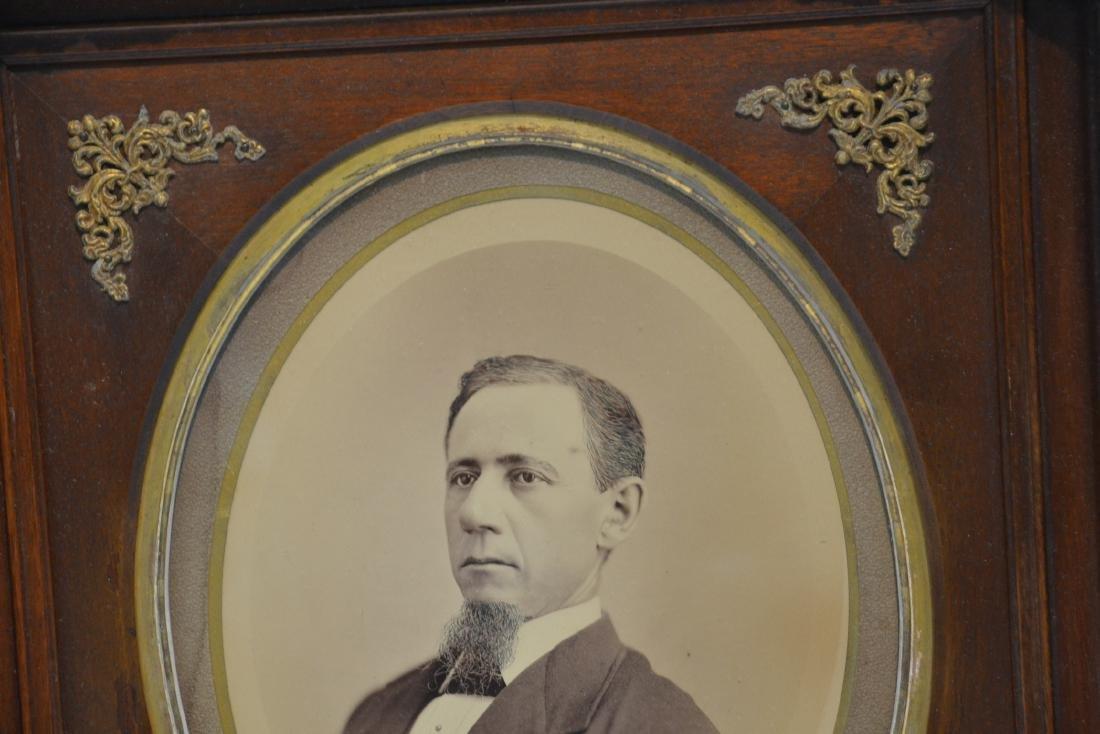 PORTRAIT OF MAN WITH BEARD IN WALNUT VICTORIAN - 4