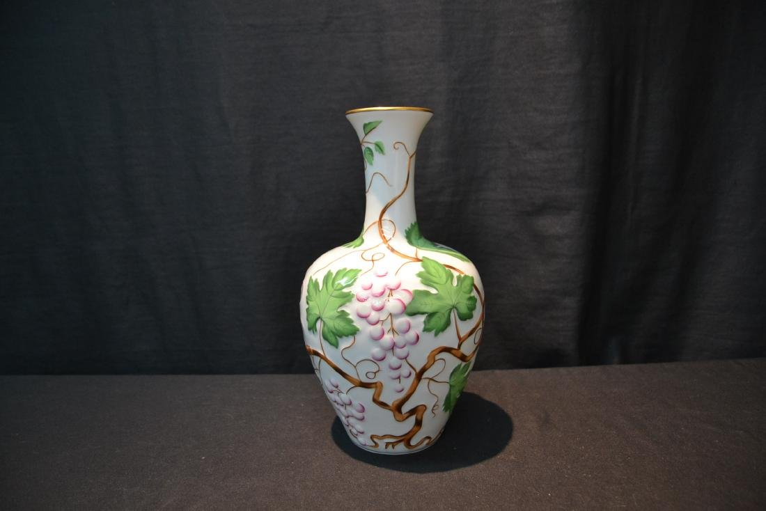 HEREND PORCELAIN VASE WITH RAISED RELEIF - 3