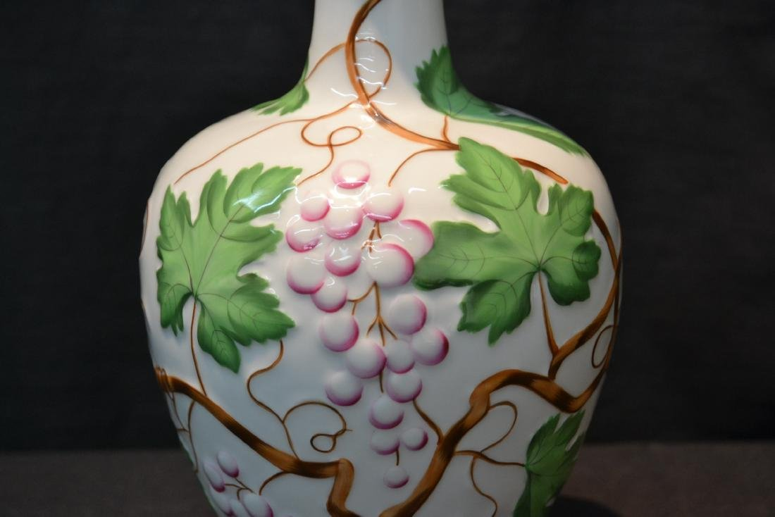 HEREND PORCELAIN VASE WITH RAISED RELEIF - 4