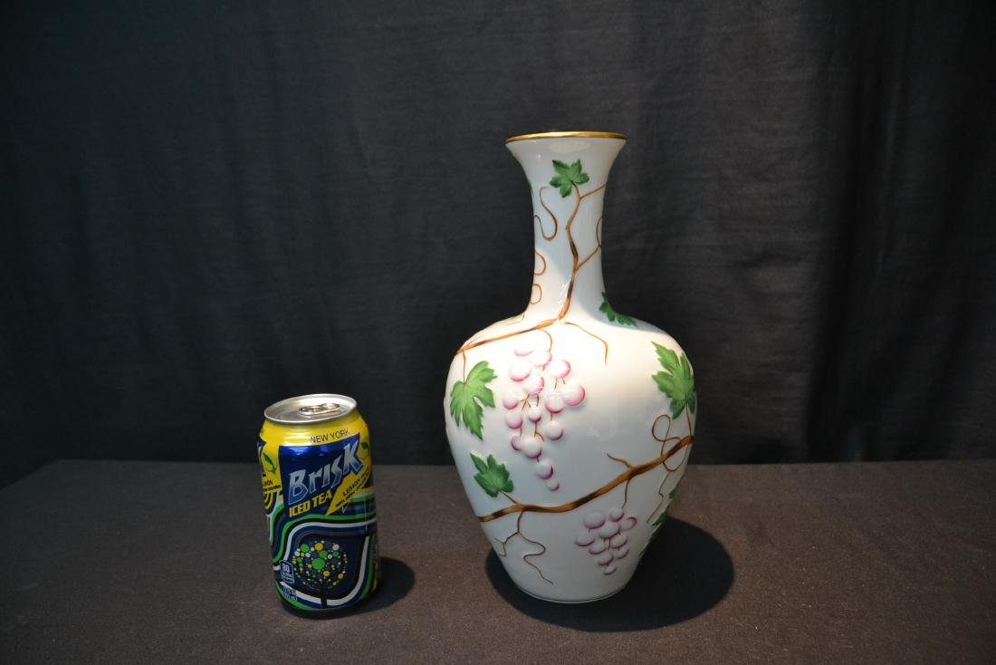 HEREND PORCELAIN VASE WITH RAISED RELEIF - 7